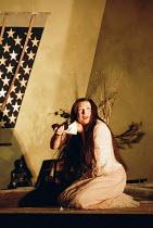 'MADAMA BUTTERFLY' (Puccini)~final scene - Butterfly prepares to die: Natalia Dercho (Cio-Cio-San)~Scottish Opera  05/12/2000