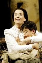 'MADAM BUTTERFLY' (Puccini)~Julia Melinek (Cio-Cio-San/Butterfly), Koji Takahashi (Sorrow)~English National Opera/London Coliseum., WC2                    11/05/2002
