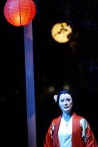 'MADAM BUTTERFLY'(Puccini)~Ai-Lan Zhu (Madam Butterfly)~Royal Albert Hall, London   20/02/2003