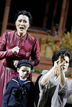 'MADAM BUTTERFLY'(Puccini)~watching for Pinkerton's ship -l-r: Ai-Lan Zhu (Madam Butterfly), Alex England-Crowther (Sorrow), Ning Liang (Suzuki)~Royal Albert Hall, London   20/02/2003