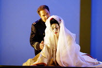 'MADAMA BUTTERFLY' (Puccini)~Marco Berti (Pinkerton), Cristina Gallardo-Domas ( Cio-Cio-San)~The Royal Opera / Covent Garden, London WC2           18/03/2003
