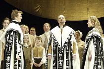 'THE MAGIC FLUTE' (Mozart - conductor: Nicholas Kraemer   original director: Nicholas Hytner)~final scene, l-r: Toby Spence (Tamino), Brindley Sherratt (Sarastro), Carolyn Sampson (Pamina)~English Nat...