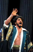 'OTELLO' (Verdi) Jose Cura (Otello) The Royal Opera, London WC2  19/04/2001