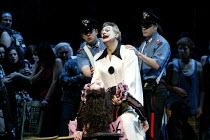 'PAGLIACCI' (Leoncavallo)   (conductor: Antonio Pappano   producer: Franco Zeffirelli)~final scene - Canio kills Nedda: Placido Domingo (Canio)~The Royal Opera / Covent Garden, London WC2           10...