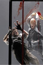 'DAS RHEINGOLD' (Wagner - conductor: Antonio Pappano   director: Keith Warner  ,set design: Stefanos Lazaridis   costume design: Marie-Jeanne Lecca   lighting: Wolfgang Gobbel),Fafner kills Fasolt - l...