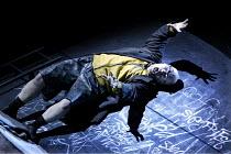 'SIEGFRIED' (Wagner)   (conductor: Richard Armstrong   director: Tim Albery)~Alasdair Elliott (Mime)~Scottish Opera / Edinburgh International Festival / Festival Theatre  14/08/2003...