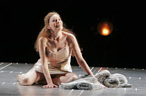 'SIEGFRIED' (Wagner - conductor: Paul Daniel   director: Phyllida Lloyd   designer: Richard Hudson),Kathleen Broderick (Br�nnhilde),English National Opera / London Coliseum  WC2         06/11/2004,