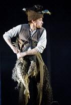 DIE ZAUBERFLOTE by MozartDIE ZAUBERFLOTE (THE MAGIC FLUTE) by Mozart~Simon Keenlyside (Papageno)~The Royal Opera / Covent Garden, London WC2           25/01/2003