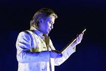 DIE ZAUBERFLOTE (THE MAGIC FLUTE) by Mozart - conductor: Vladimir Jurowski   director: Adrian Noble~Pavol Breslik (Tamino)~Glyndebourne Festival Opera / East Sussex, England   20/05/2004