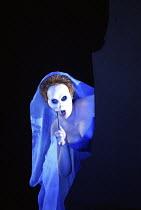 DIE ZAUBERFLOTE (THE MAGIC FLUTE) by Mozart - conductor: Vladimir Jurowski   director: Adrian Noble~Julianne de Villiers (Second Lady)~Glyndebourne Festival Opera / East Sussex, England   20/05/2004