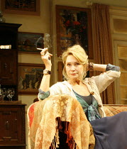 AMY^S VIEW   by David Hare   director:Peter Hall~Felicity Kendal (Esme Allen)~Garrick Theatre, London WC2                          20/11/2006