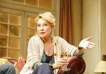AMY^S VIEW   by David Hare   director:Peter Hall,Felicity Kendal (Esme Allen),Garrick Theatre, London WC2                          20/11/2006,