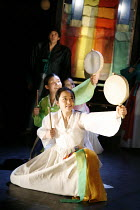 ROMEO AND JULIET   by Shakespeare   director: Oh Tae-Suk,front: Kim Mun Jung (Juliet),Mokhwa Repertory Company (Korea),BITE:06 / Pit Theatre, Barbican Centre, London EC2                23/11/2006,