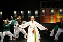 ROMEO AND JULIET   by Shakespeare   director: Oh Tae-Suk,Kim Mun Jung (Juliet),Mokhwa Repertory Company (Korea),BITE:06 / Pit Theatre, Barbican Centre, London EC2                23/11/2006,