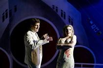 'ANYTHING GOES' (Porter/Bolton/Wodehouse)~Graham Bickley (Billy Crocker), Deborah Dutcher (Hope Harcourt)   ~Grange Park Opera              14/06/2002