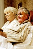 'BEDROOM FARCE' (Ayckbourn)~June Whitfield (Delia), Richard Briers (Ernest)~Aldwych Theatre, London WC2               08/04/2002