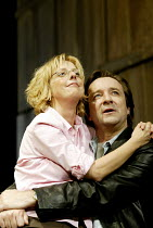 'BENEFACTORS' (Frayn)~Emma Chambers (Sheila), Neil Pearson (Colin)~Albery Theatre, London WC2                  25/06/2002