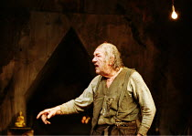 THE CARETAKER  by Harold Pinter design: Rob Howell lighting: Hugh Vanstone director: Patrick Marber ~~Michael Gambon (Davies)~Comedy Theatre, London SW1 15/11/2000 ~(c) Donald Cooper/Photostage   phot...