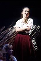'CAROUSEL' (Rodgers & Hammerstein)   ~(director: Nicholas Hytner   choreography: Kenneth MacMillan   design: Bob Crowley)~Joanna Riding (Julie Jordan) (with Janie Dee as Carrie Pipperidge)~Olivier The...
