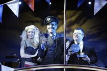 'MONEY TO BURN' (author/director: Daniel Abineri) l-r: Gabrielle Noble (Rosie), Peter Blake (OJ), Perry Benson (Perkins) The Venue / London WC2   09/10/2003