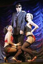 'MONEY TO BURN' (author/director: Daniel Abineri) l-r: Camilla Beeput, Peter Blake (OJ), Sarah Louise Young The Venue / London WC2   09/10/2003
