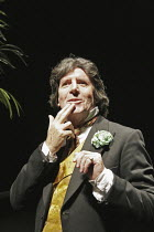 'OSCAR WILDE' (book/songs/direction: Mike Read),Peter Blake (Oscar Wilde),Shaw Theatre, London NW1                   19/10/2004,