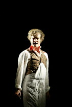 'SWEENEY TODD' (Sondheim)~Steven Page (Sweeney Todd)~Opera North/Leeds               25/04/2002