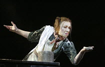 'SWEENEY TODD' (Sondheim - director: Neil Armfield)~Felicity Palmer (Mrs Lovett)~The Royal Opera /   Covent Garden, London WC2       15/12/2003