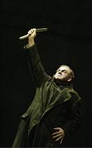'SWEENEY TODD' (Sondheim - director: Neil Armfield)~Thomas Allen (Sweeney Todd)~The Royal Opera /   Covent Garden, London WC2       15/12/2003