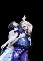 'TEETH 'N' SMILES' (Hare)~l-r: Keith-Lee Castle (Peyote), William Maidwell (Randolph)~Crucible Theatre, Sheffield   05/11/2002