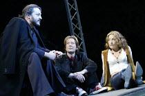 'TEETH 'N' SMILES' (Hare)~l-r: Ivan Kaye (Saraffian), Scott Handy (Arthur), Amanda Donohoe (Maggie)~Crucible Theatre, Sheffield   05/11/2002