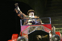 'THE WIND IN THE WILLOWS' (Kenneth Grahame, adapted by Alan Bennett - director: Ian Brown)~Malcolm Scates (Toad)~West Yorkshire Playhouse, Leeds            18/12/2003