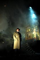 'AN INSPECTOR CALLS' (JB Priestley)~Niall Buggy (Inspector Goole) ~Playhouse Theatre, London WC2       27/09/2001