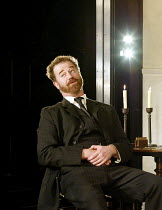 'IVANOV' (Chekhov/directed by Katie Mitchell)~Owen Teale (Nikolai Ivanov)~Cottesloe Theatre / National Theatre, London SE1   16/09/2002