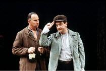 'JACOBOWSKY AND THE COLONEL' (Franz Werfel/S N Behrman)~l-r: Nigel Hawthorne (Colonel Tadeusz Stjerbinsky), Ken Stott (Szabuniewicz)~Olivier Theatre/National Theatre, London SE1       22/07/1986