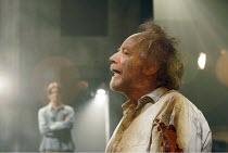 'LEAR' (Edward Bond - director: Jonathan Kent),Ian McDiarmid (Lear) with (rear) Bryan Dick (The Gravedigger's Boy),Crucible Theatre / Sheffield, England    15/03/2005,