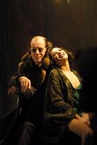 LULU  by Frank Wedekind  design: Robert Howell  director: Jonathan Kent ~Alan Howard (Dr Schoning), Anna Friel (Lulu)~Almeida at King's Cross, London N1  19/03/2001~(c) Donald Cooper/Photostage   phot...