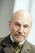 'THE MASTER BUILDER' (Ibsen - director: Anthony Page)~Patrick Stewart (Halvard Solness)~Albery Theatre, London WC2                  18/06/2003
