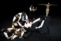 'MESSIAH - Scenes from a Crucifixion' (Berkoff)~disciples fight - at rear: Julie Riley (Mary Magdalene), Finbar Lynch (Jesus)~Riverside Studios, London W6                 03/10/2001