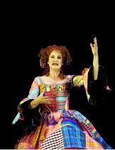 'MOTHER CLAP'S MOLLY HOUSE' (Ravenhill/Scott)~Deborah Findlay (Mrs Tull)~RNT/Lyttelton Theatre, London SE1   04/09/2001