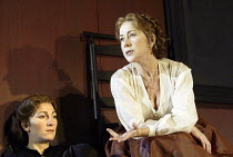 'MOURNING BECOMES ELECTRA' (O'Neill - director: Howard Davies)~l-r: Eve Best (Lavinia Mannon), Helen Mirren (Christine Mannon)~Lyttelton Theatre / National Theatre, London SE1         27/11/2003