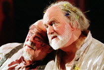 'KING LEAR' (Shakespeare)~l-r: David Ryall (Earl of Gloucester), Oliver Ford-Davies (King Lear)~Almeida at King's Cross / London N1     12/02/2002