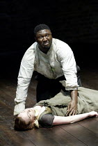 'KING LEAR' (Shakespeare: director - Declan Donnellan)~Nonso Anozie (King Lear), Kirsty Besterman (Cordelia)~RSC Academy Company 2002 / Swan Theatre, Stratford-upon-Avon                      10/2002