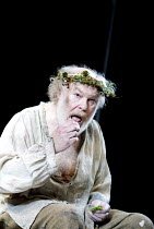 'KING LEAR' (Shakespeare)~ Timothy West (King Lear)~The Old Vic   London SE1                         25/03/2003