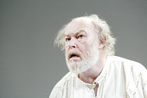 'KING LEAR' (Shakespeare)~Timothy West (King Lear)~The Old Vic   London SE1                         25/03/2003
