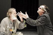 'KING LEAR' (Shakespeare - director: Steven Pimlott),IV/v - l-r: David Warner (King Lear), Richard O'Callaghan (Gloucester),Minerva Theatre / Chichester Festival Theatre / West Sussex, England...