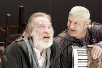 'KING LEAR' (Shakespeare - director: Steven Pimlott),I/v - l-r: David Warner (King Lear), John Ramm (Fool),Minerva Theatre / Chichester Festival Theatre / West Sussex, England          17/05/2005,