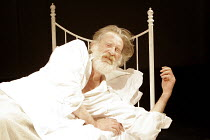 'KING LEAR' (Shakespeare - director: Steven Pimlott),IV/vi: David Warner (King Lear),Minerva Theatre / Chichester Festival Theatre / West Sussex, England          17/05/2005,