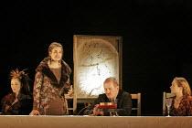 'KING LEAR' (Shakespeare - director: Bill Alexander),I/i - division of the kingdom - l-r: Ruth Gemmell (Regan), Emily Raymond (Goneril), Corin Redgrave (King Lear), S�an Brooke (Cordelia),Royal Shakes...