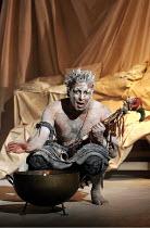 'KING LEAR' (Shakespeare - director: Bill Alexander)~Pal Aron (Edgar/Poor Tom)~Royal Shakespeare Company /  Albery Theatre, London WC2                       18/01/2005